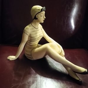 Retro Bathing Beauty Figurine Statute